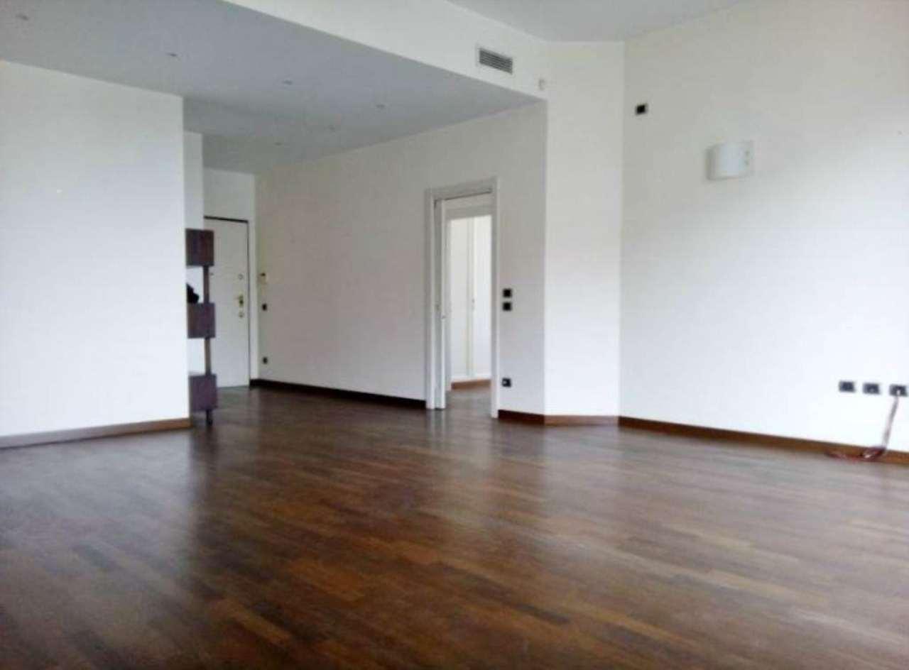 Appartamento in affitto a Milano, 3 locali, zona Zona: 1 . Centro Storico, Duomo, Brera, Cadorna, Cattolica, prezzo € 3.250 | Cambio Casa.it