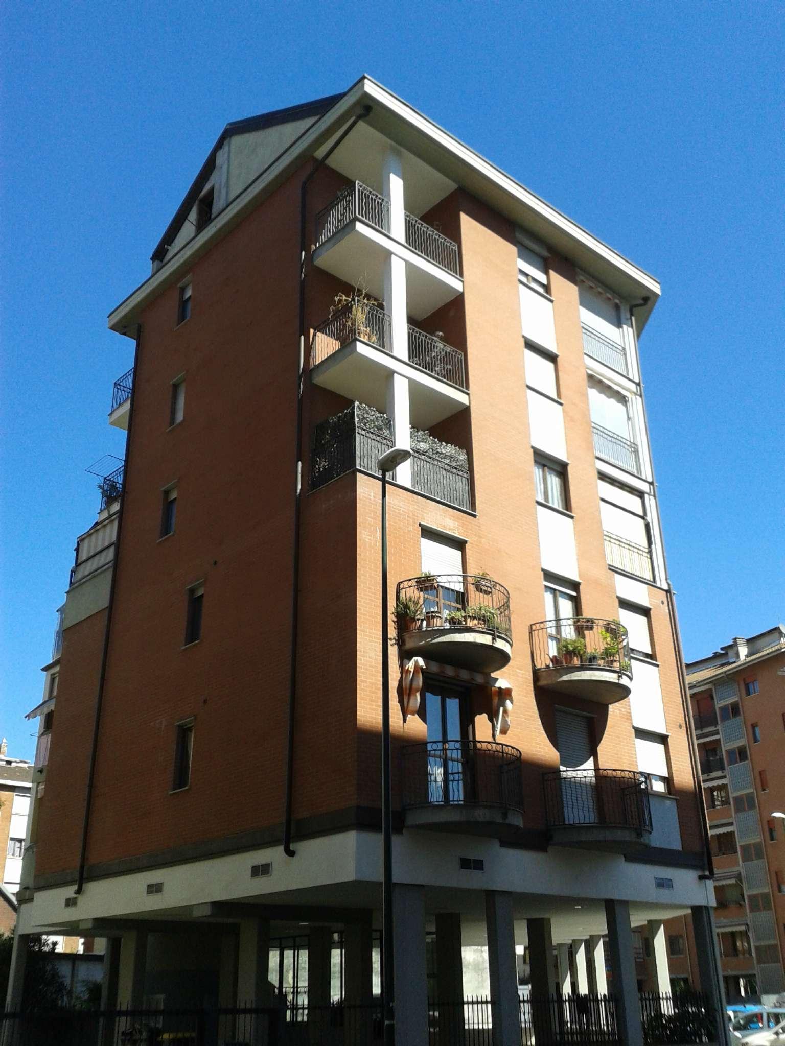 Foto 1 di Trilocale via Rueglio 19, Torino (zona Madonna di Campagna, Borgo Vittoria, Barriera di Lanzo)