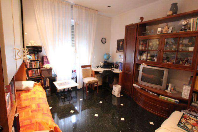 Bilocale Genova Via Giacomo Biga 1