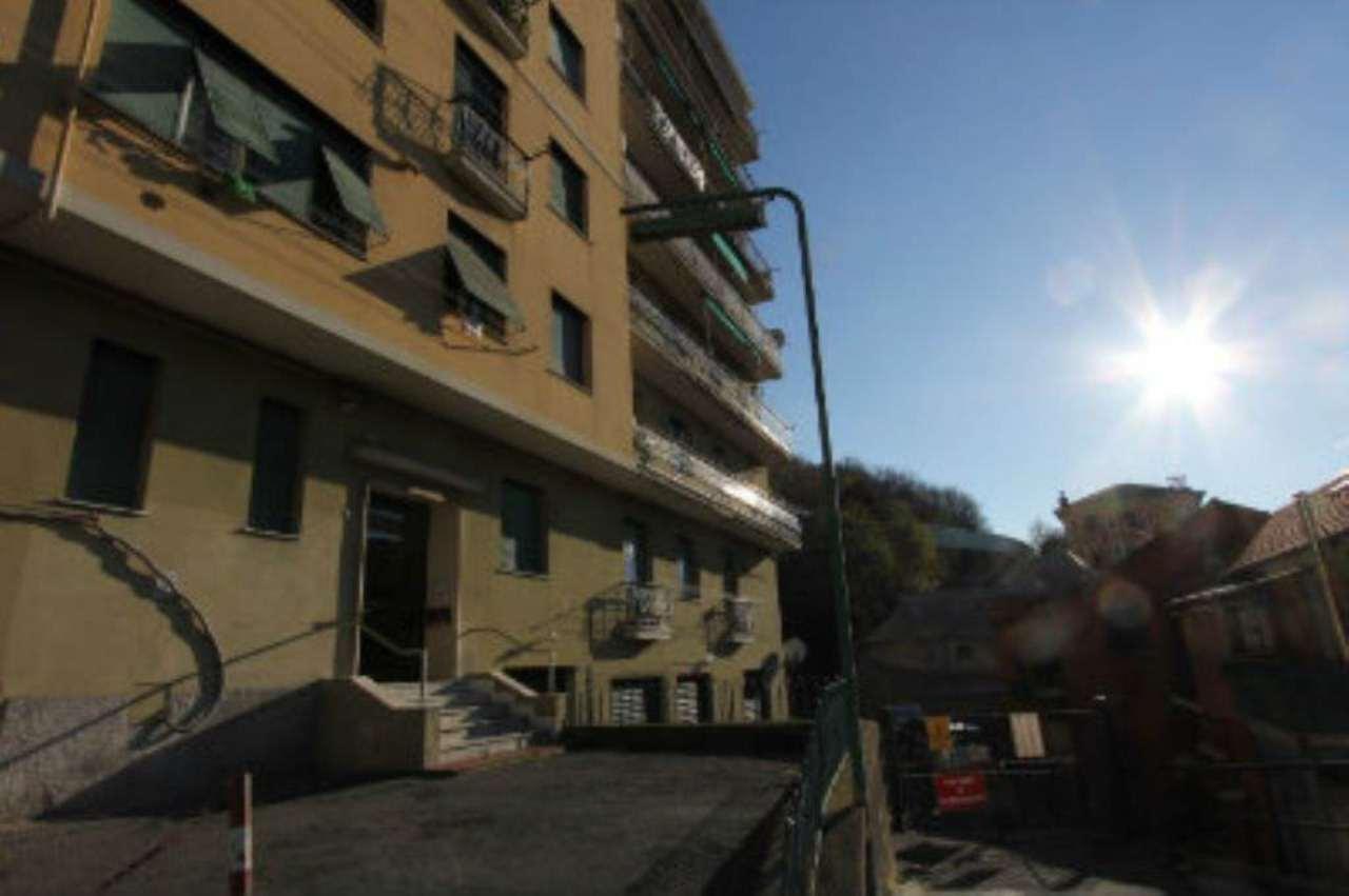 Bilocale Genova Via Tofane 13