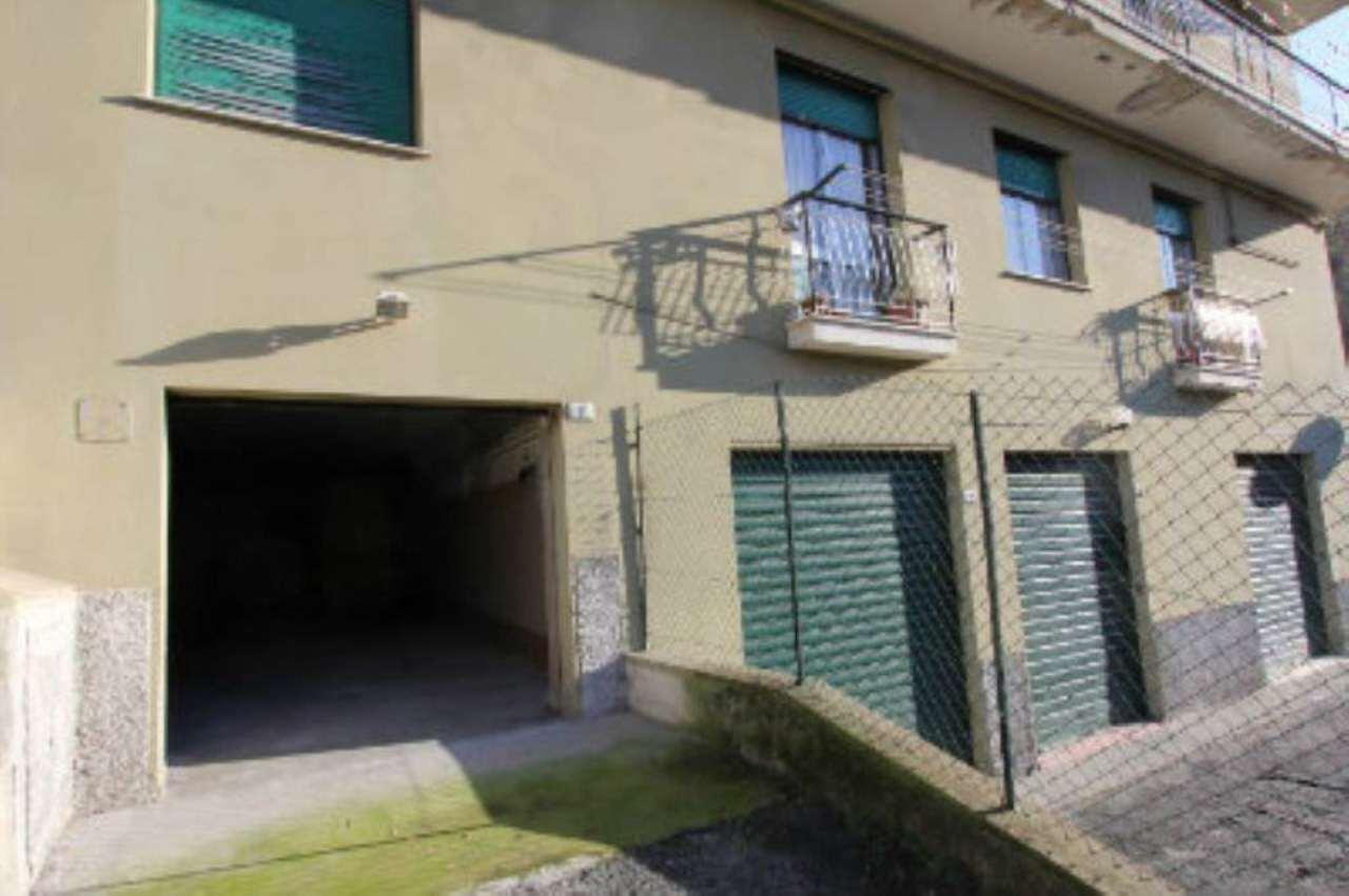 Bilocale Genova Via Tofane 11