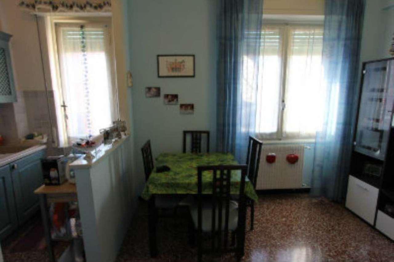 Bilocale Genova Via Tofane 2