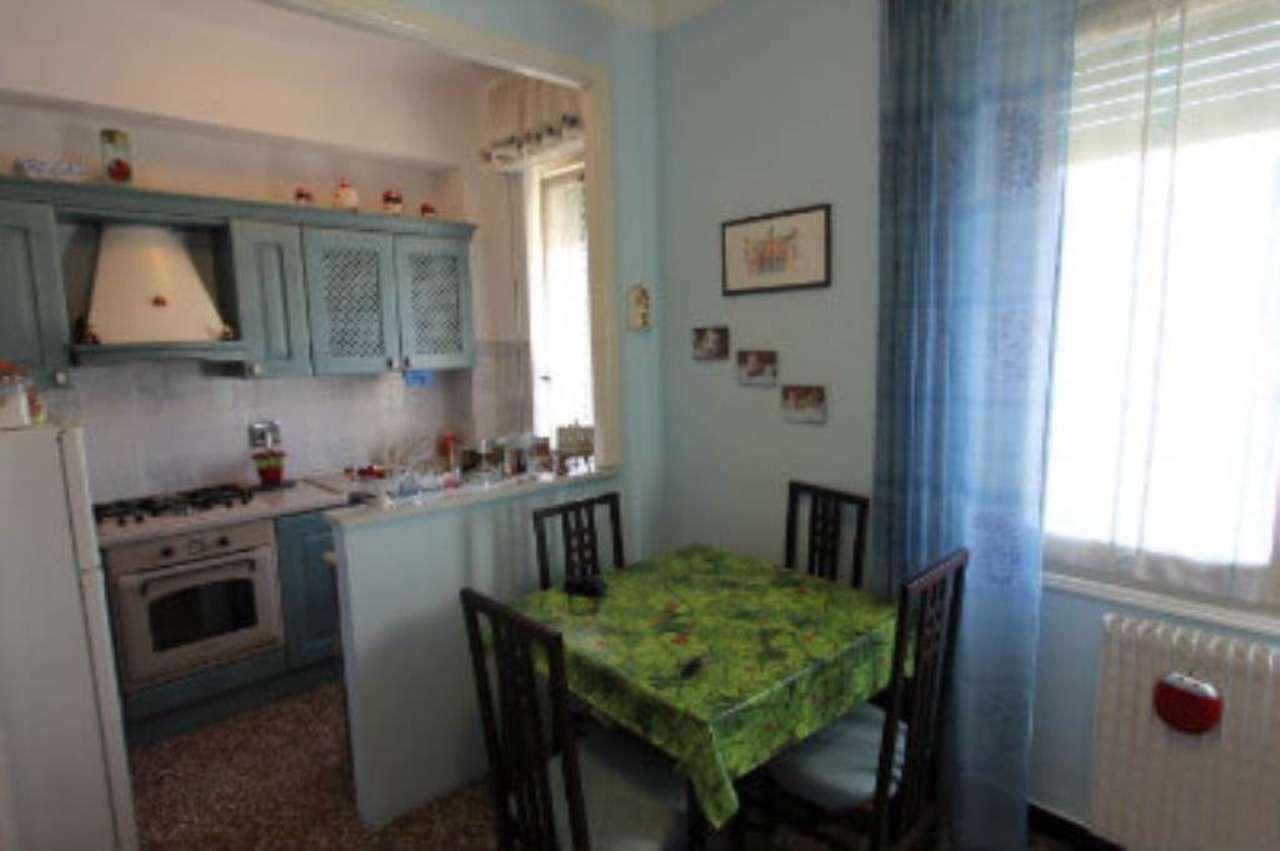 Bilocale Genova Via Tofane 1