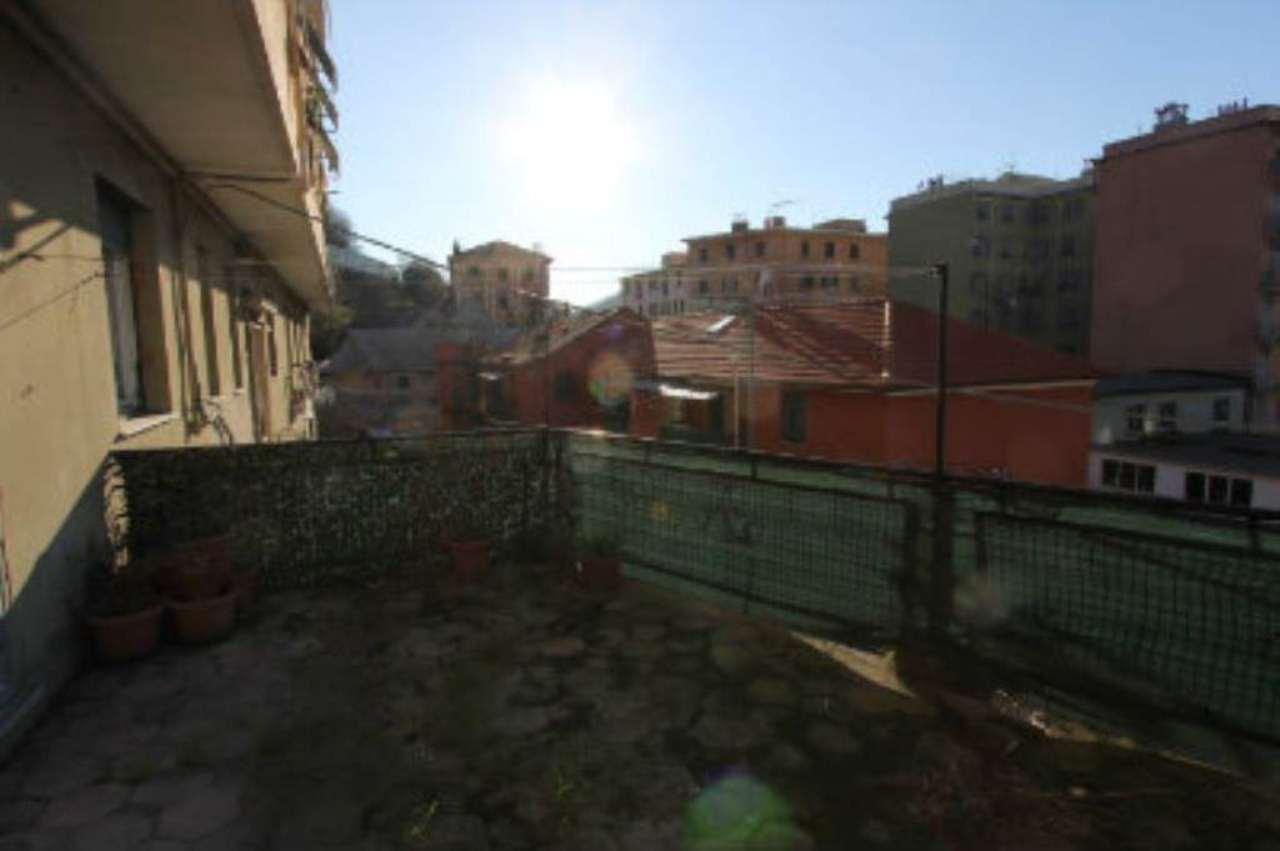 Bilocale Genova Via Tofane 8
