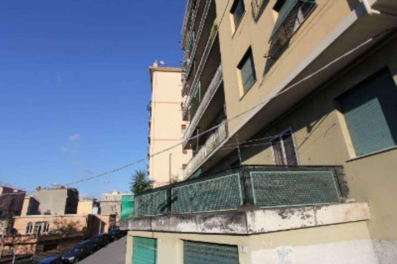 Bilocale Genova Via Tofane 7