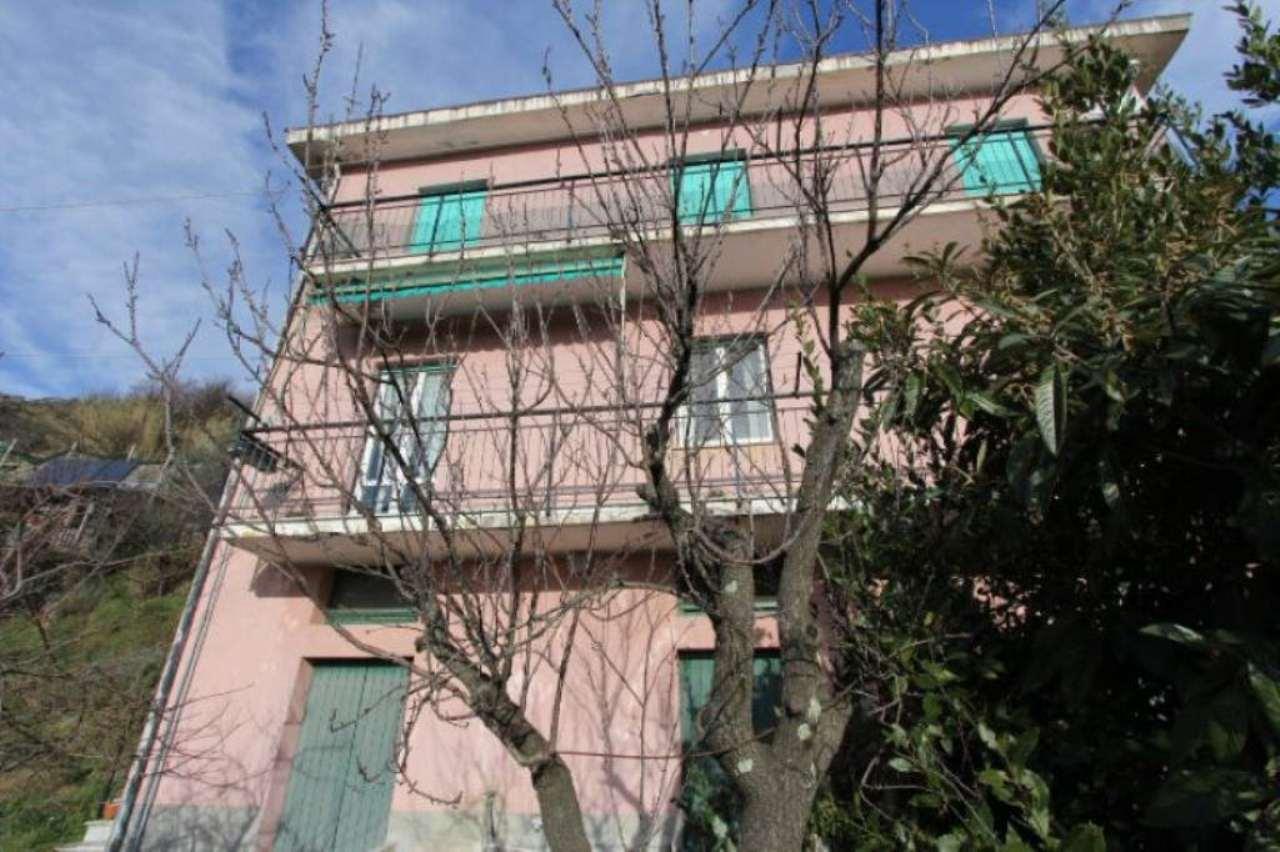 Appartamento in vendita a Sori, 6 locali, prezzo € 150.000 | CambioCasa.it