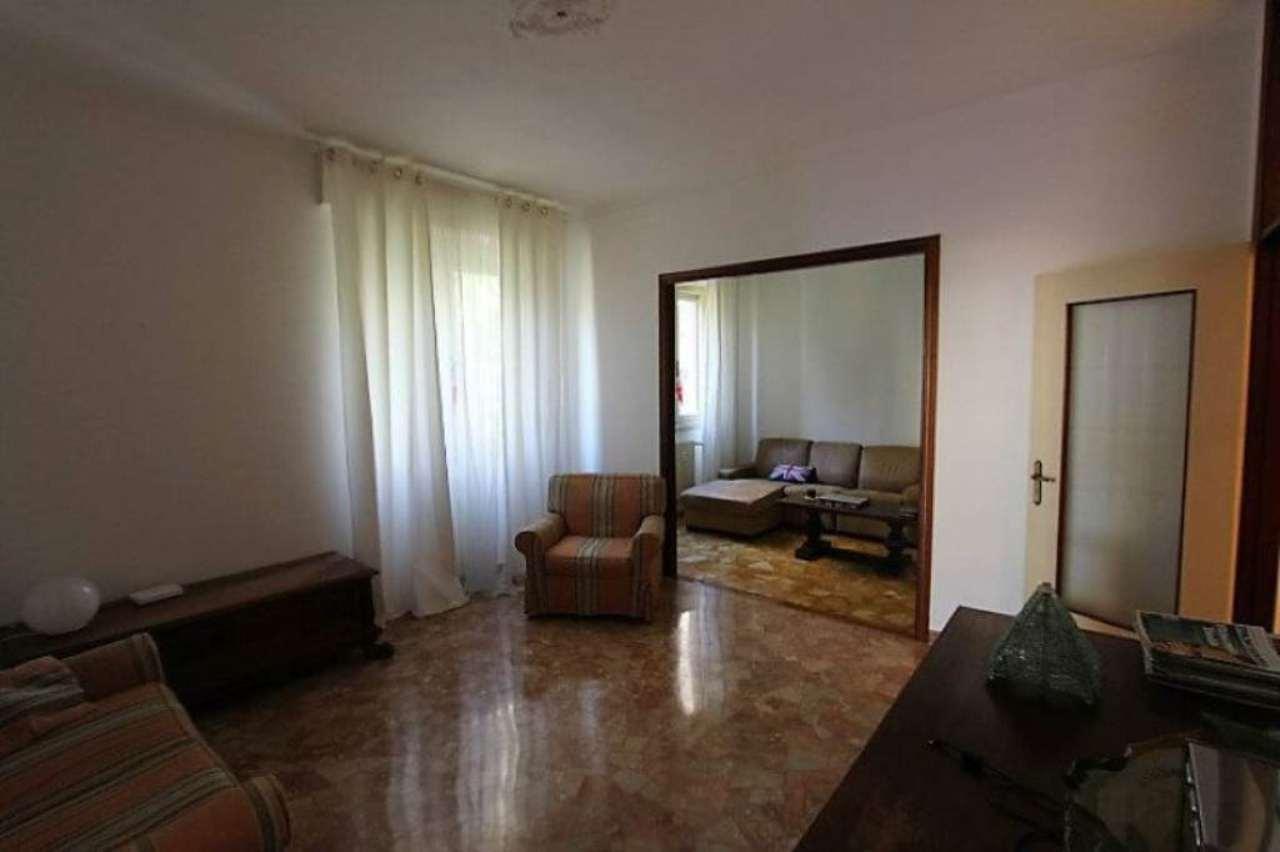 Bilocale Genova Via Dell'arena 3