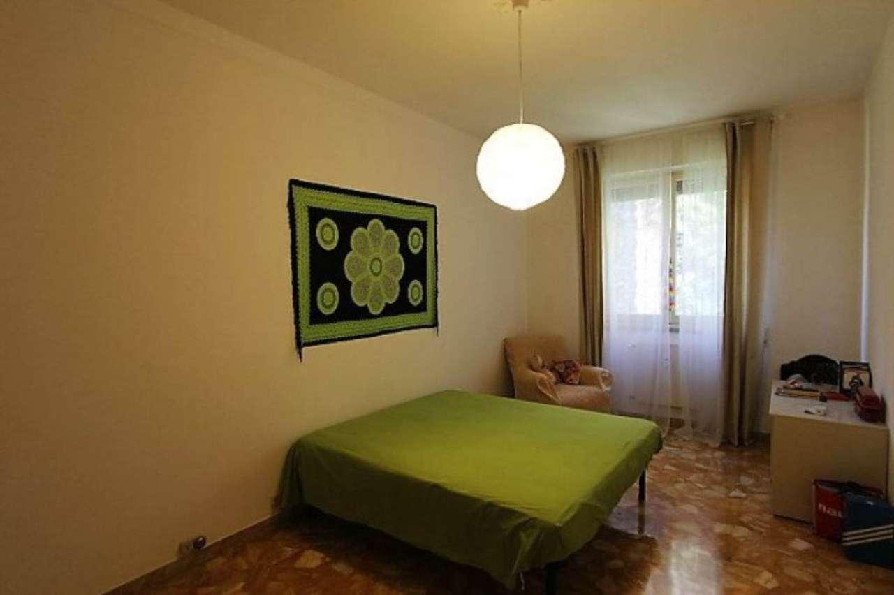 Bilocale Genova Via Dell'arena 5