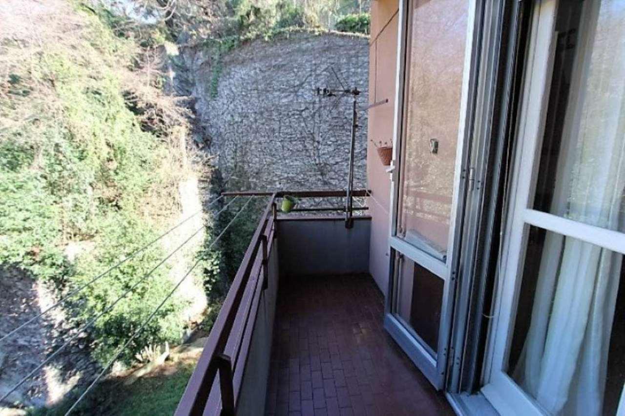 Bilocale Genova Via Dell'arena 10