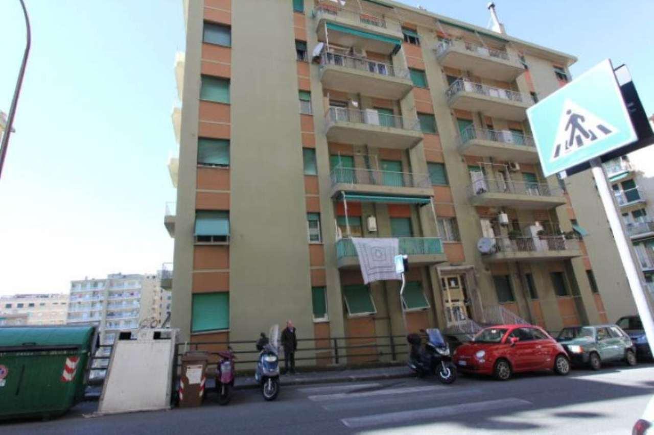Bilocale Genova Via San Bartolomeo Del Fossato 10