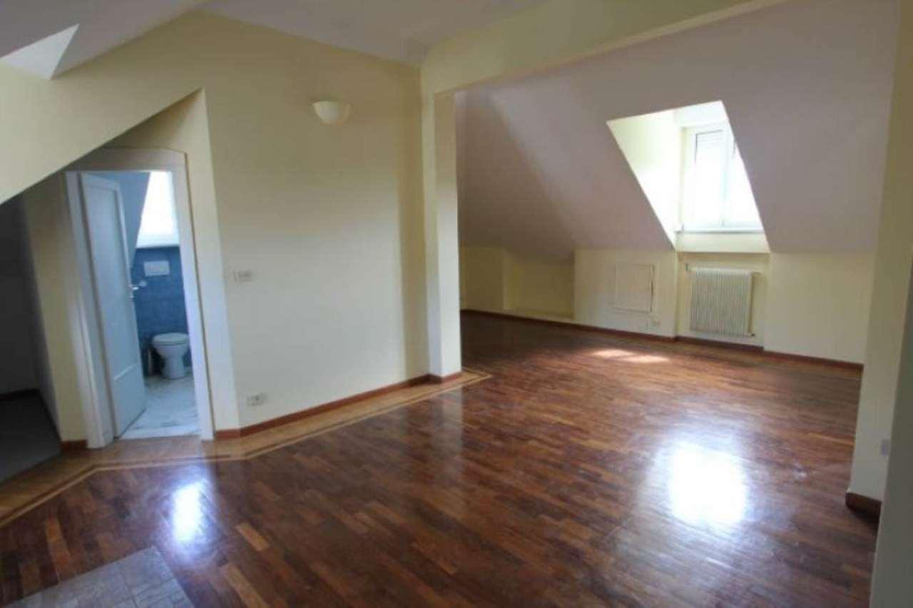 Attico / Mansarda in affitto a Genova, 2 locali, prezzo € 850   Cambio Casa.it