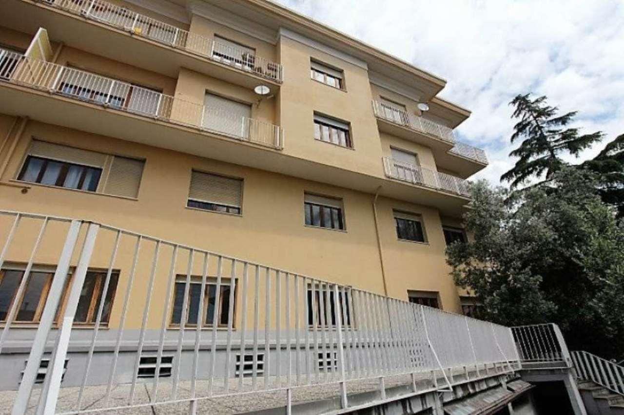 Bilocale Genova Via Dodecaneso 9