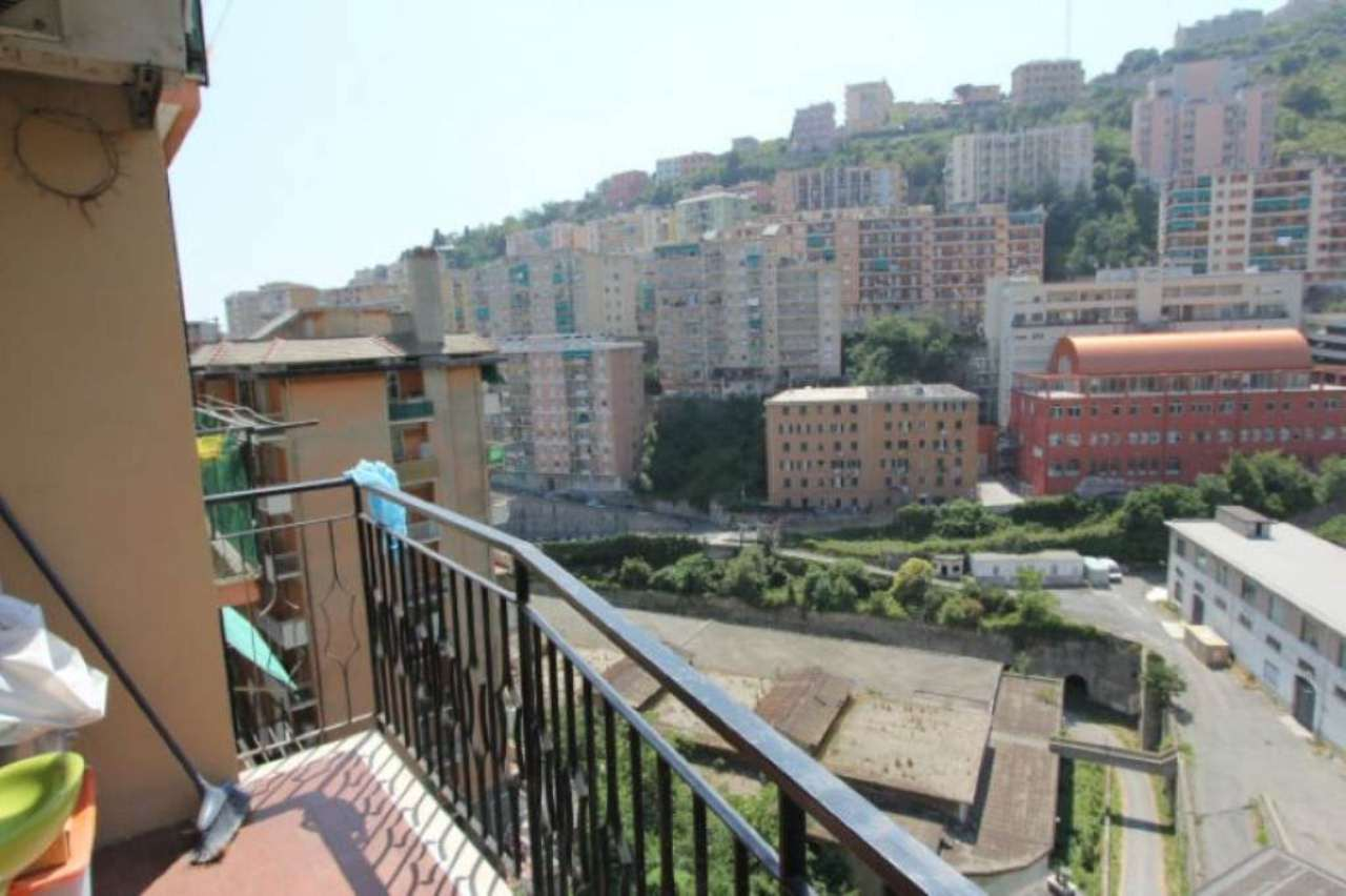 Bilocale Genova Via Napoli 10