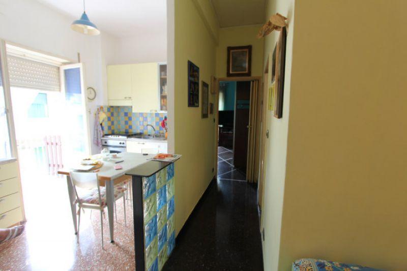 Bilocale Genova Via Delle Gavette 3