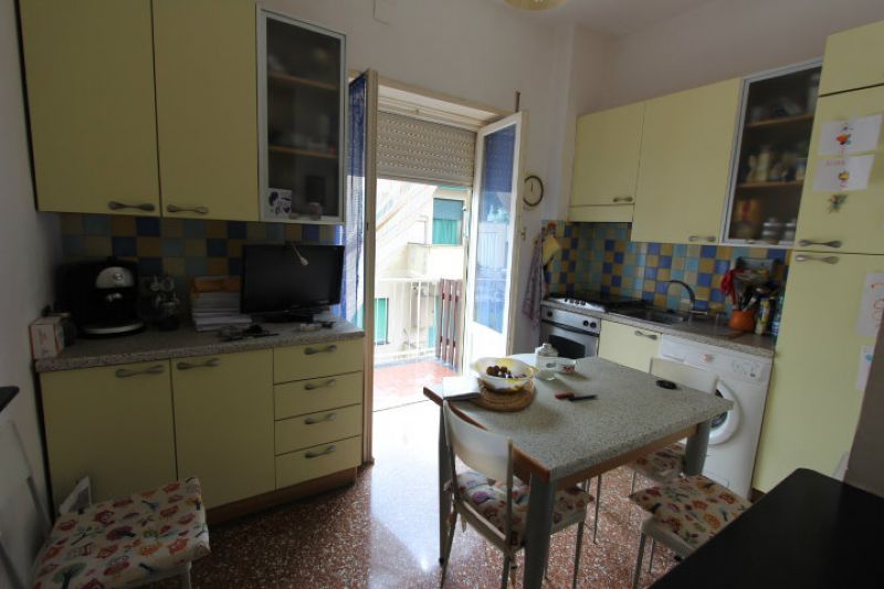 Bilocale Genova Via Delle Gavette 5