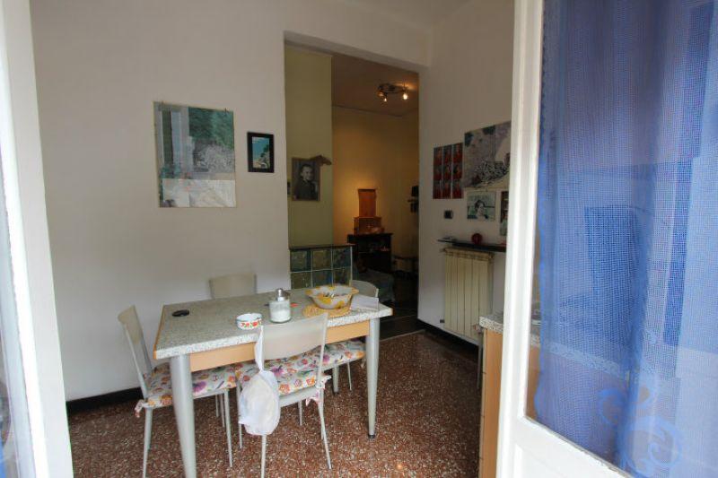 Bilocale Genova Via Delle Gavette 6
