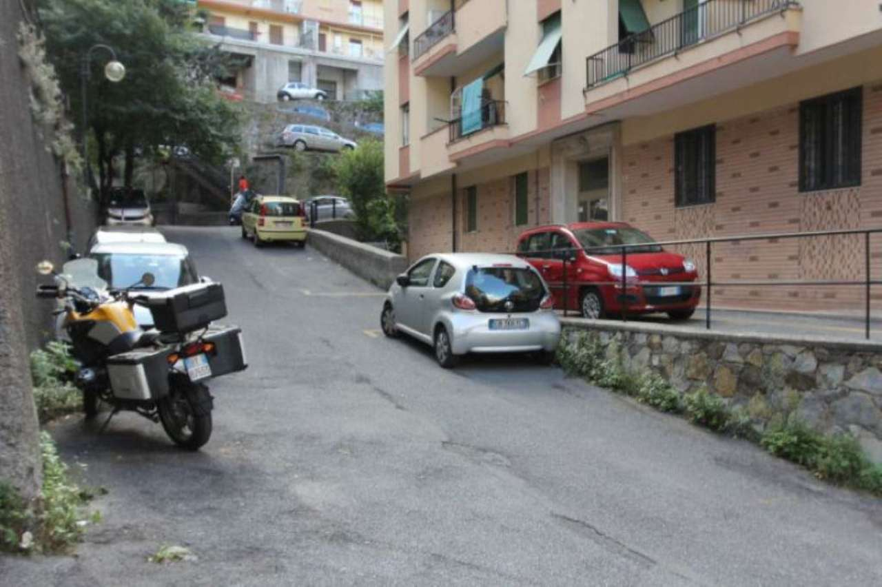 Bilocale Genova Via Ammarengo 2