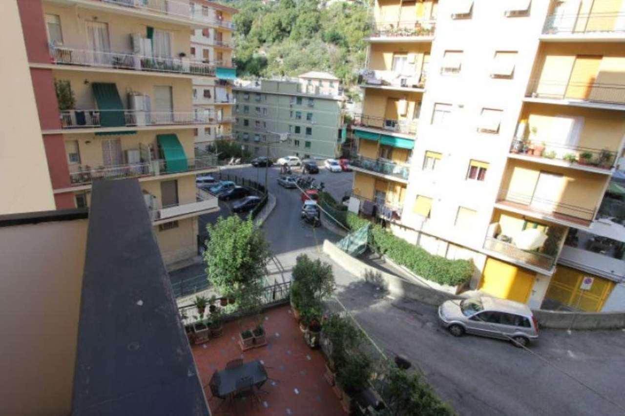 Bilocale Genova Via Ammarengo 10