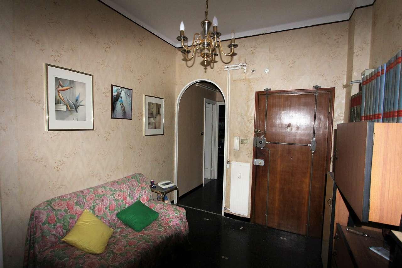 Bilocale Genova Via Cordanieri 9