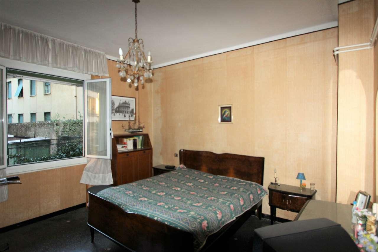 Bilocale Genova Via Cordanieri 7