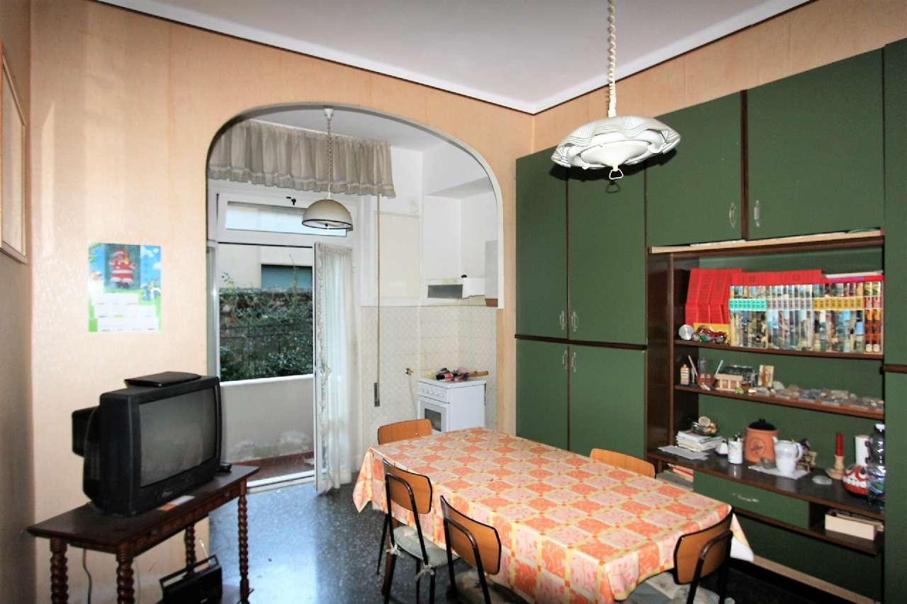 Bilocale Genova Via Cordanieri 5