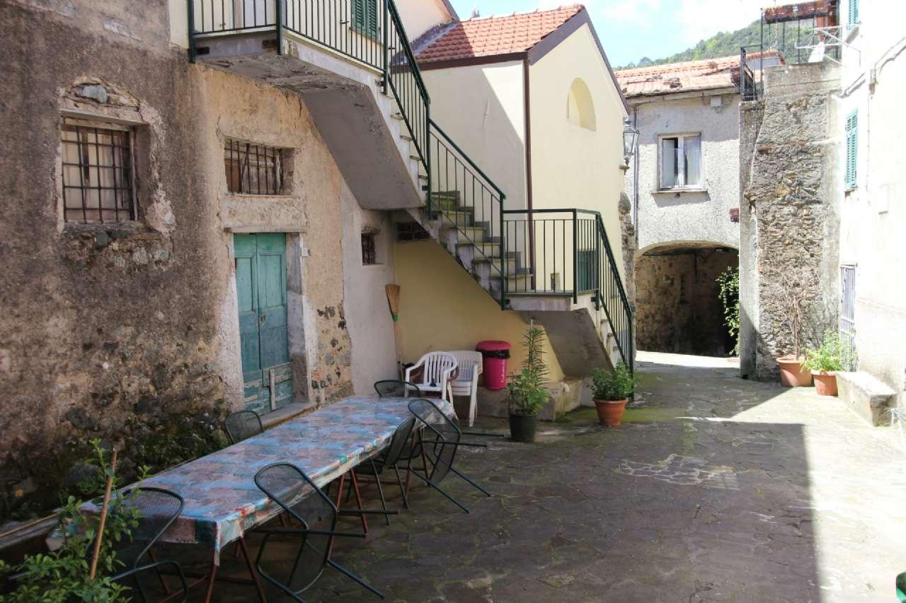 Attico / Mansarda in vendita a Deiva Marina, 4 locali, prezzo € 69.000 | Cambio Casa.it