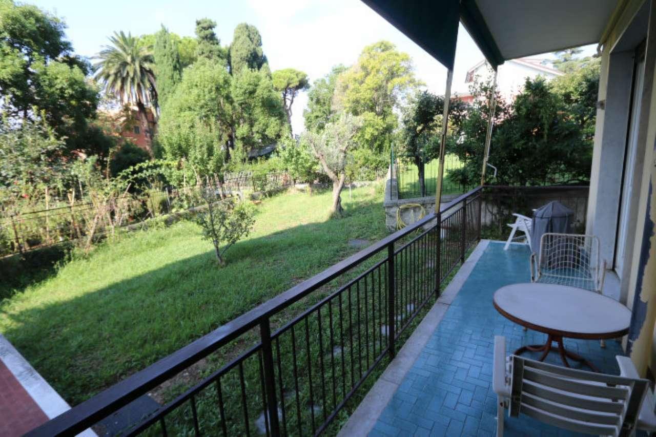 Foto 1 di Appartamento viale Quartara, Genova (zona Quarto)