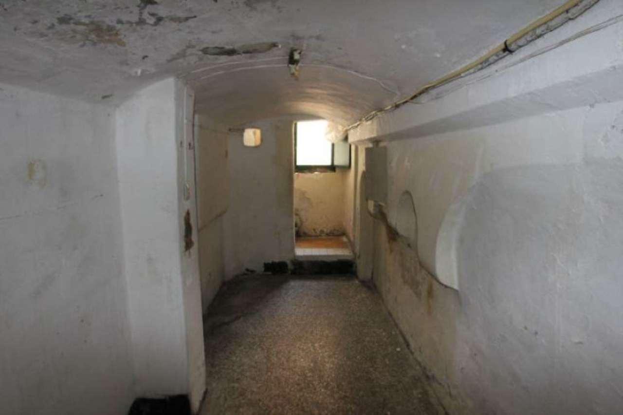 Bilocale Genova Via Delle Grazie 8