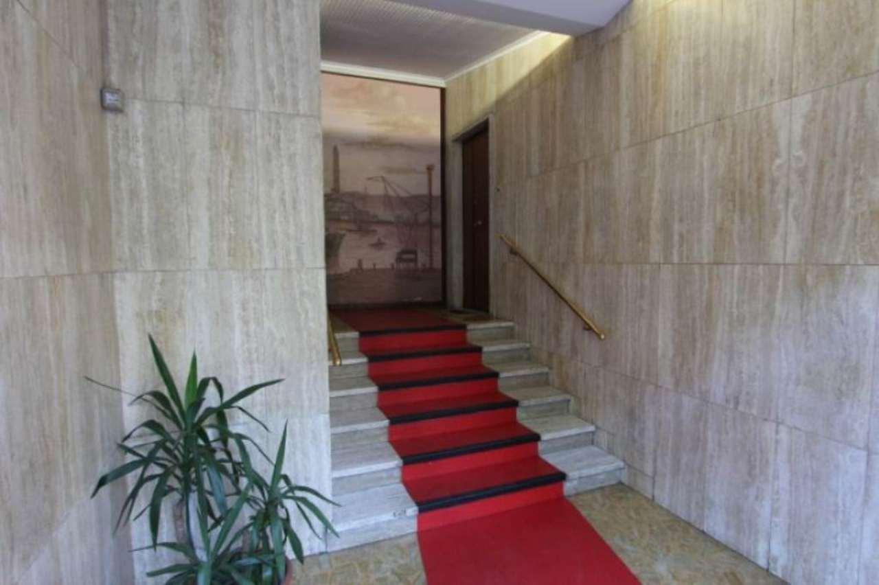 Bilocale Genova Via Ferrara 4