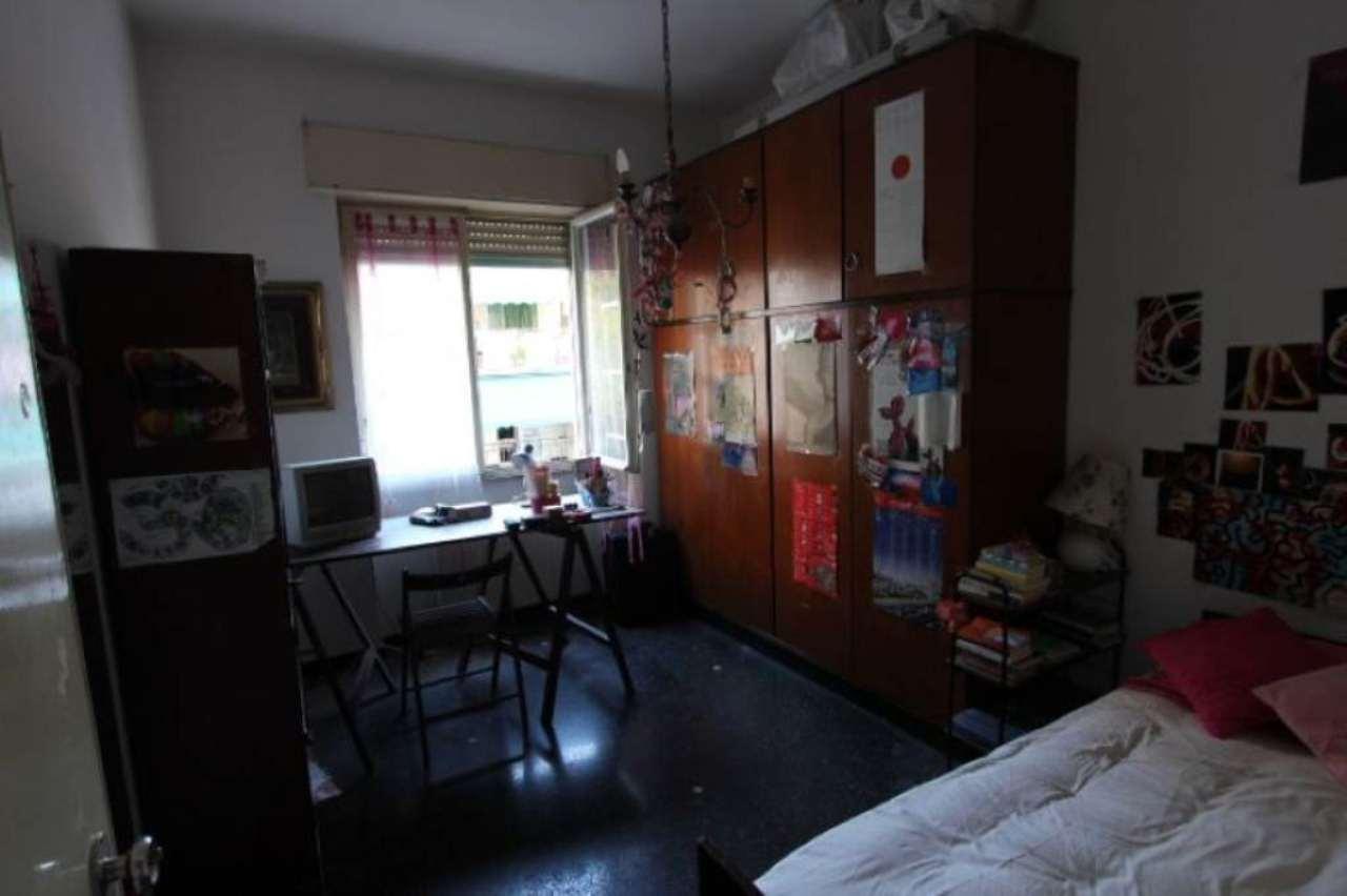 Bilocale Genova Via Ferrara 8