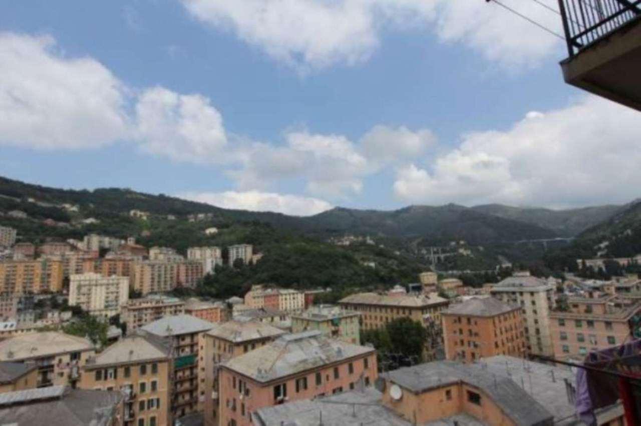 Bilocale Genova Via Tortona 1