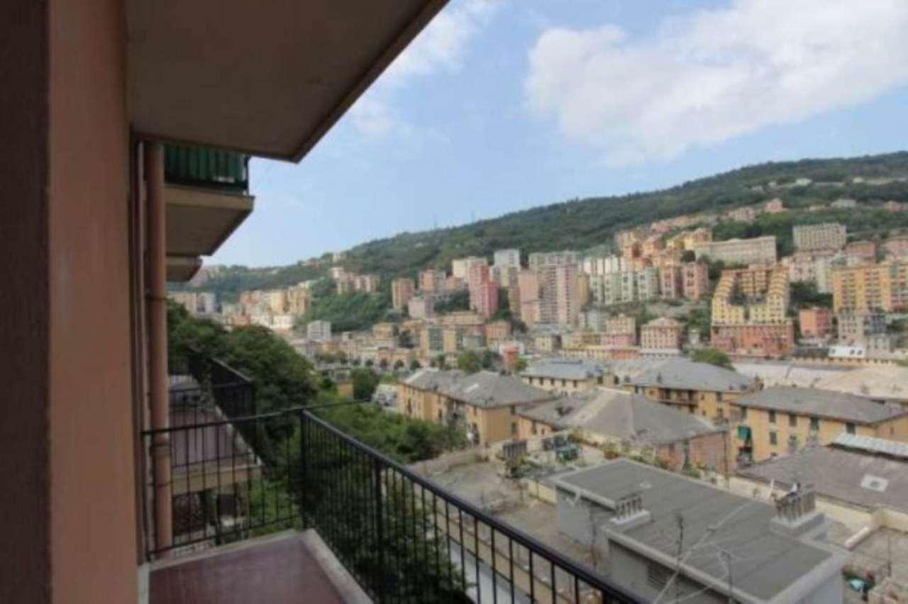Bilocale Genova Via Tortona 2