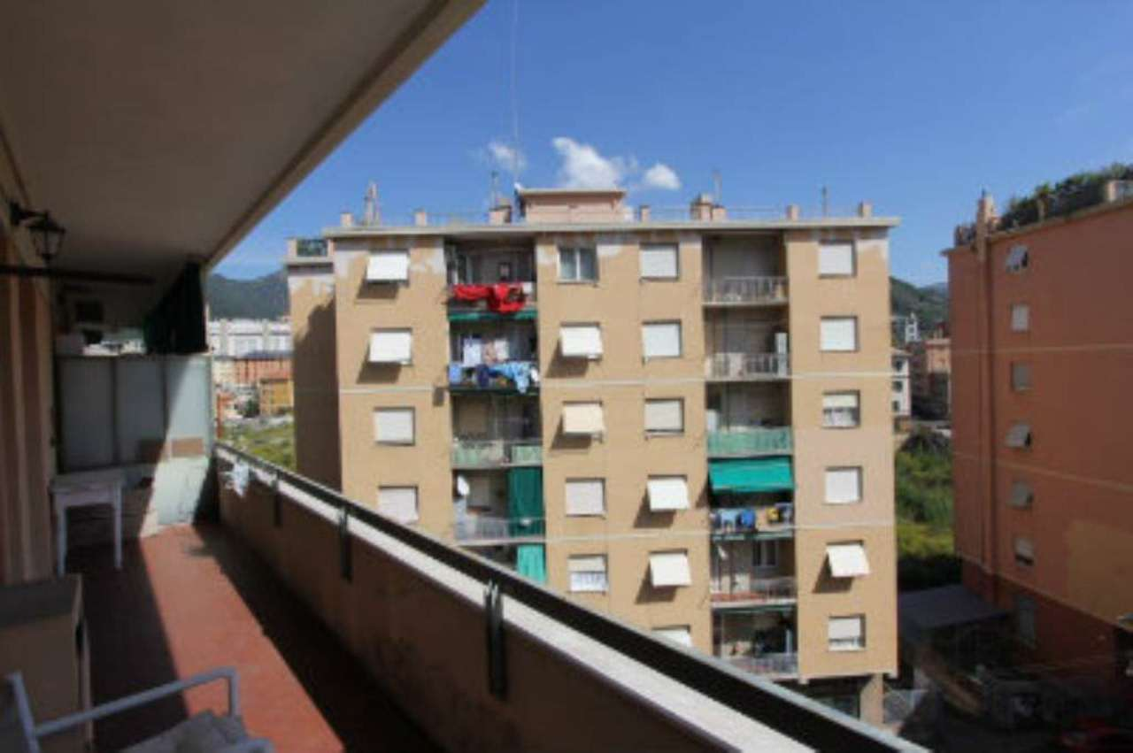 Bilocale Genova Via Elia Bernardini 1