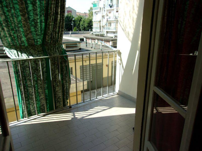 Bilocale Torino Via Chanoux 5