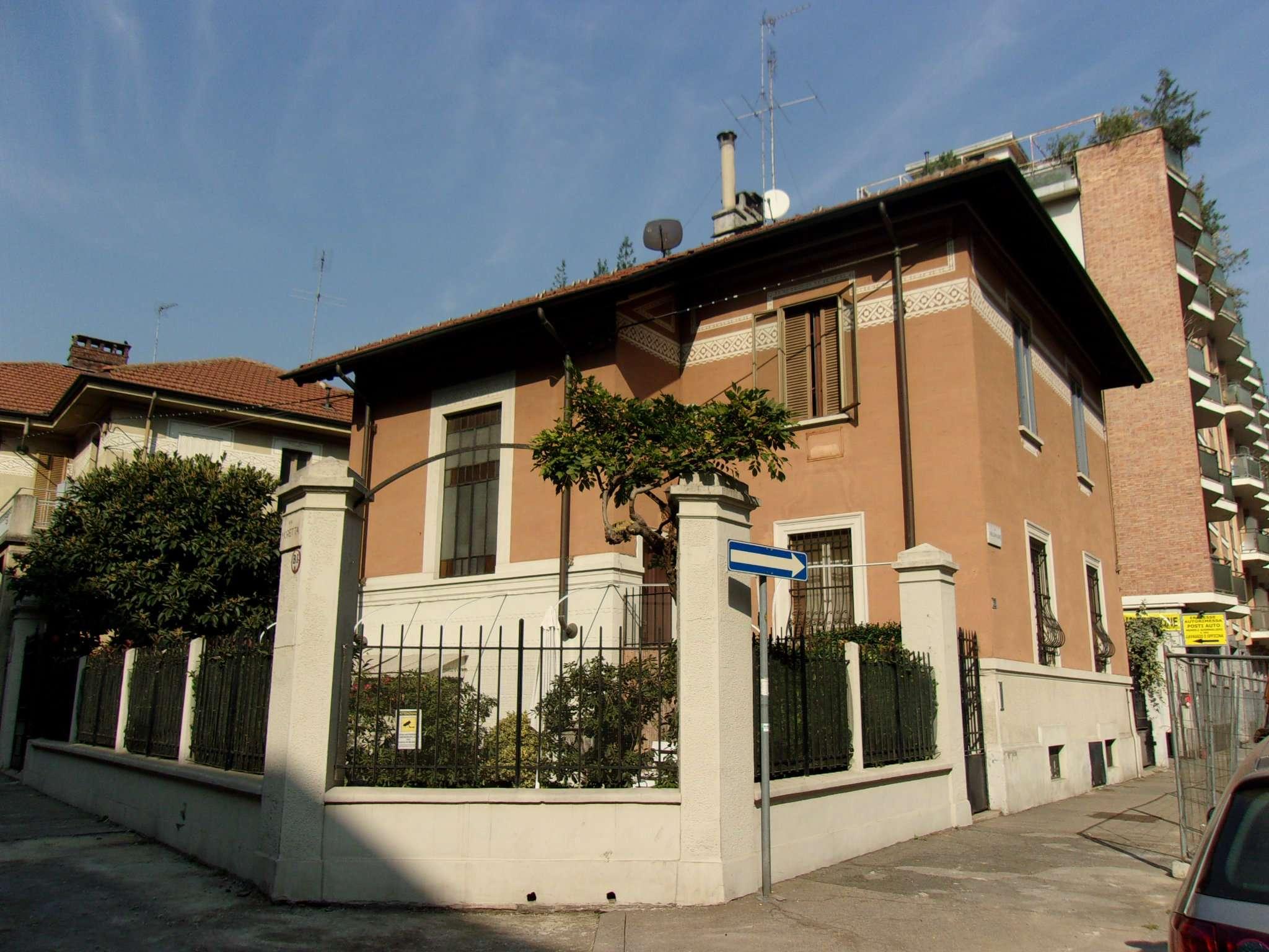 Appartamento in Vendita a Torino Semicentro Ovest: 5 locali, 150 mq