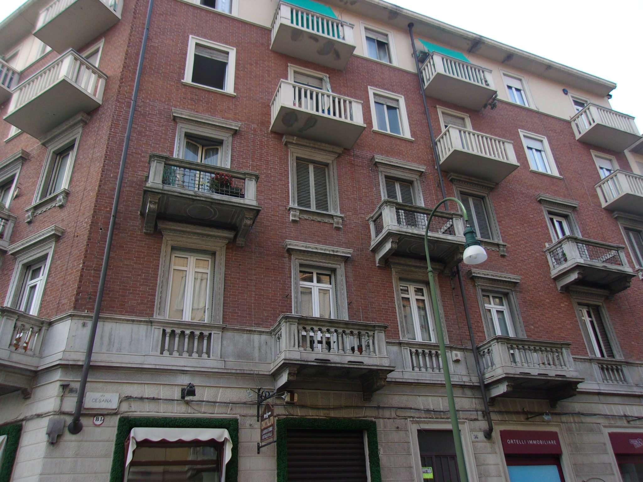 Appartamento in affitto a torino via cesana for Appartamento design torino affitto