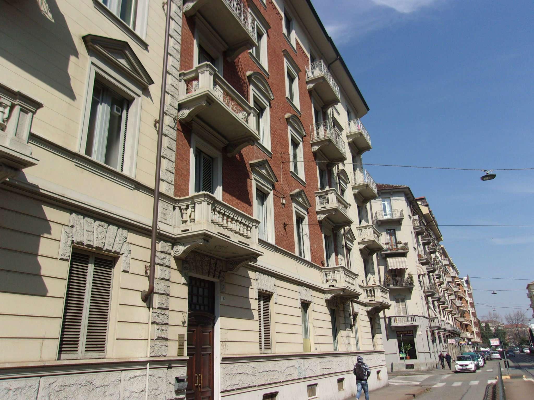Ufficio-studio in Affitto a Torino Semicentro Ovest: 4 locali, 90 mq
