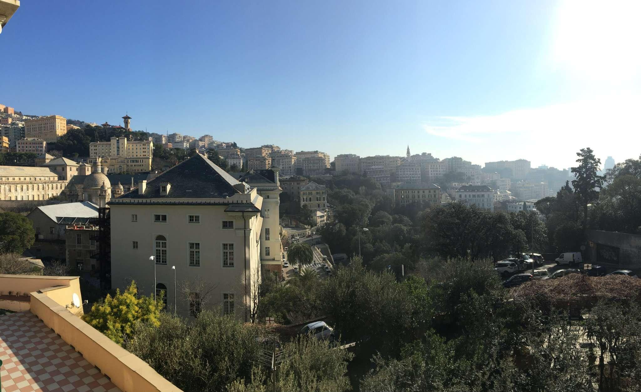 Foto 1 di Appartamento corso dogali, Genova (zona Circonvalmonte)