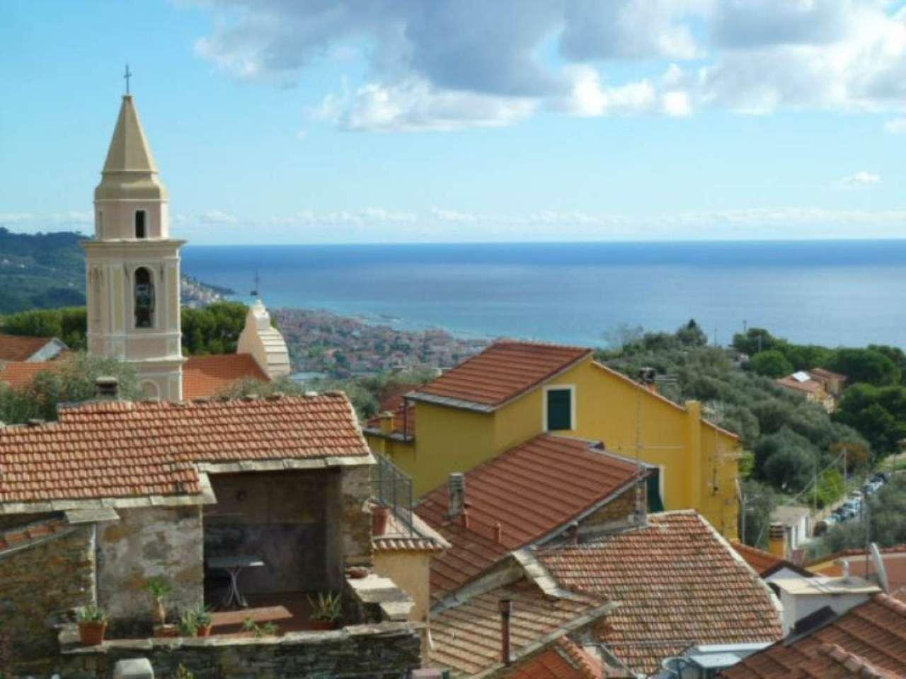 Soluzione Indipendente in vendita a Diano Castello, 8 locali, prezzo € 450.000 | CambioCasa.it