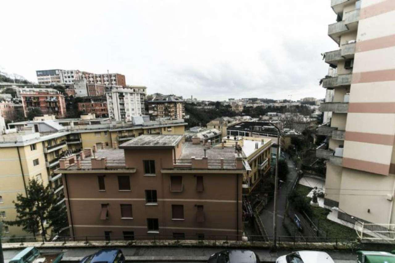 Bilocale Genova Via Berghini 6
