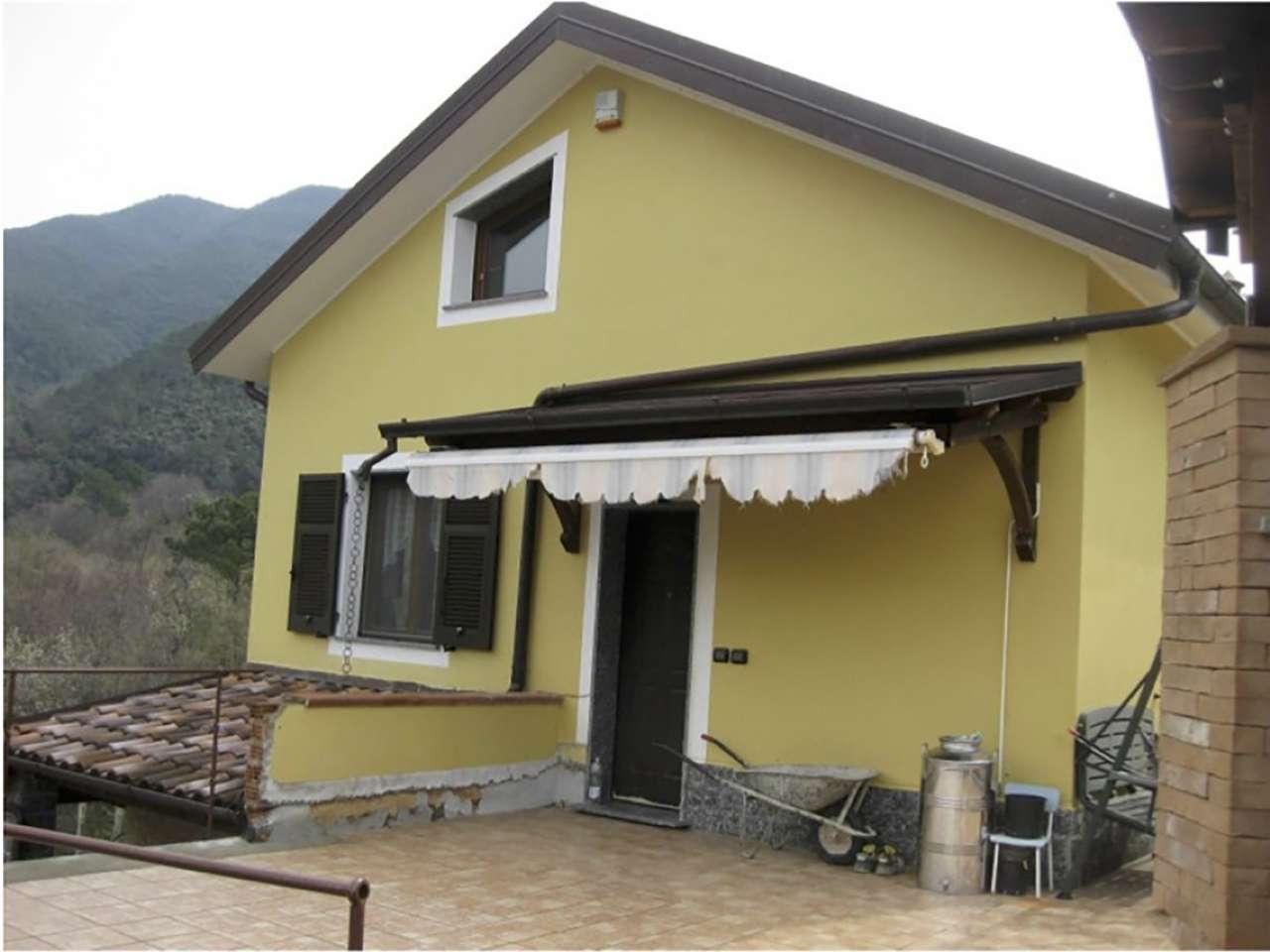 Foto 1 di Villa frazione Comeglio, Moneglia
