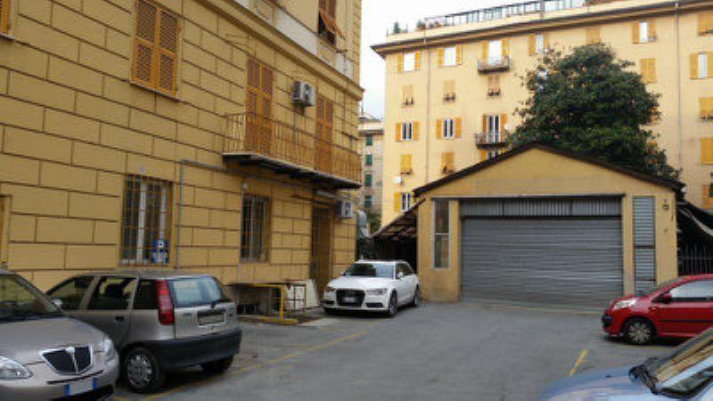 Magazzino in affitto a Genova in Via Antiochia