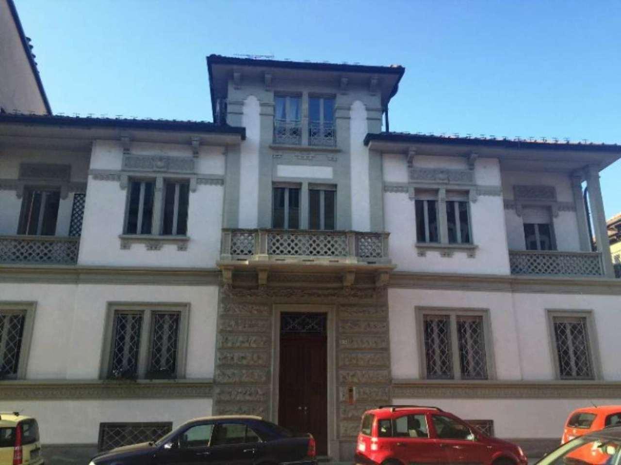 Appartamento in Vendita a Torino Periferia Est: 5 locali, 235 mq