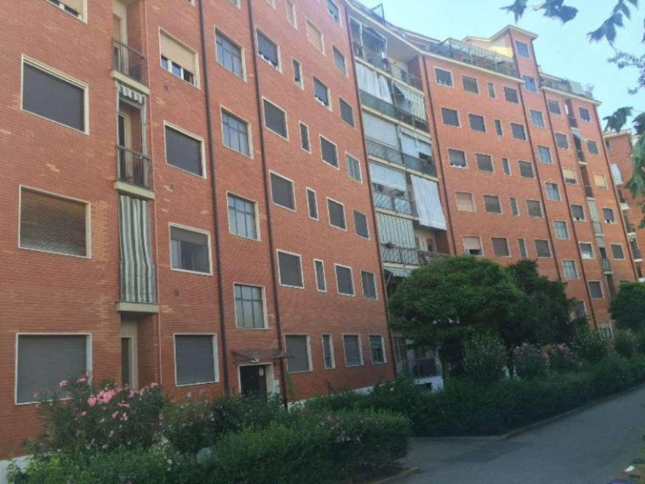 Bilocale Torino Via Macherione 1