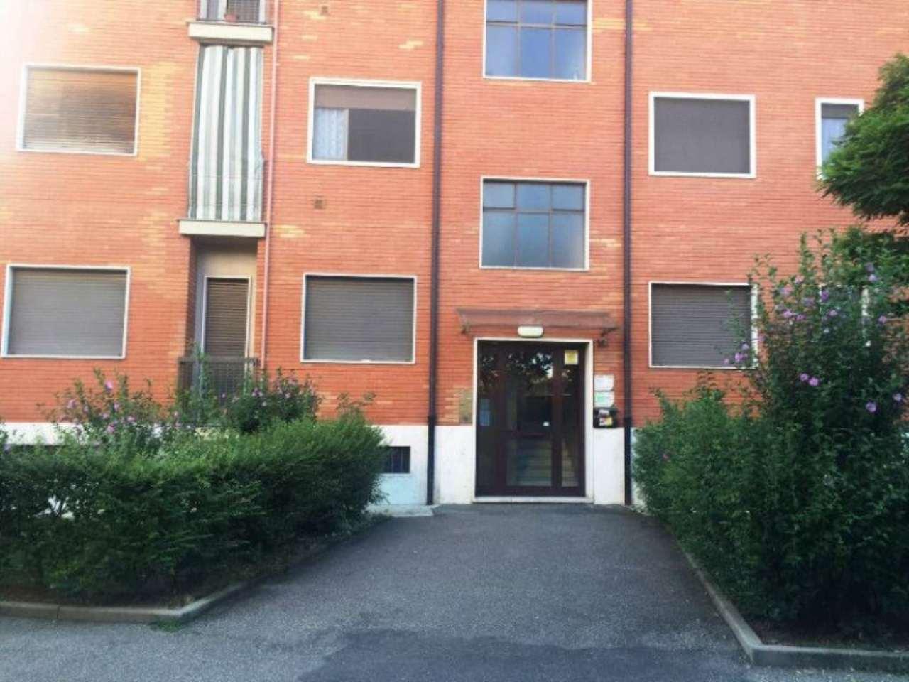 Bilocale Torino Via Macherione 2