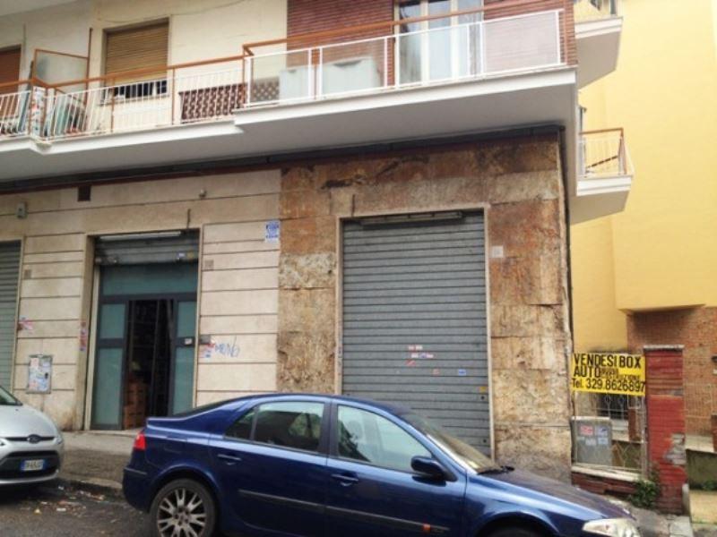 Negozio / Locale in vendita a Roma, 2 locali, zona Zona: 15 . Appio Latino - Appia Antica, prezzo € 198.000   Cambiocasa.it