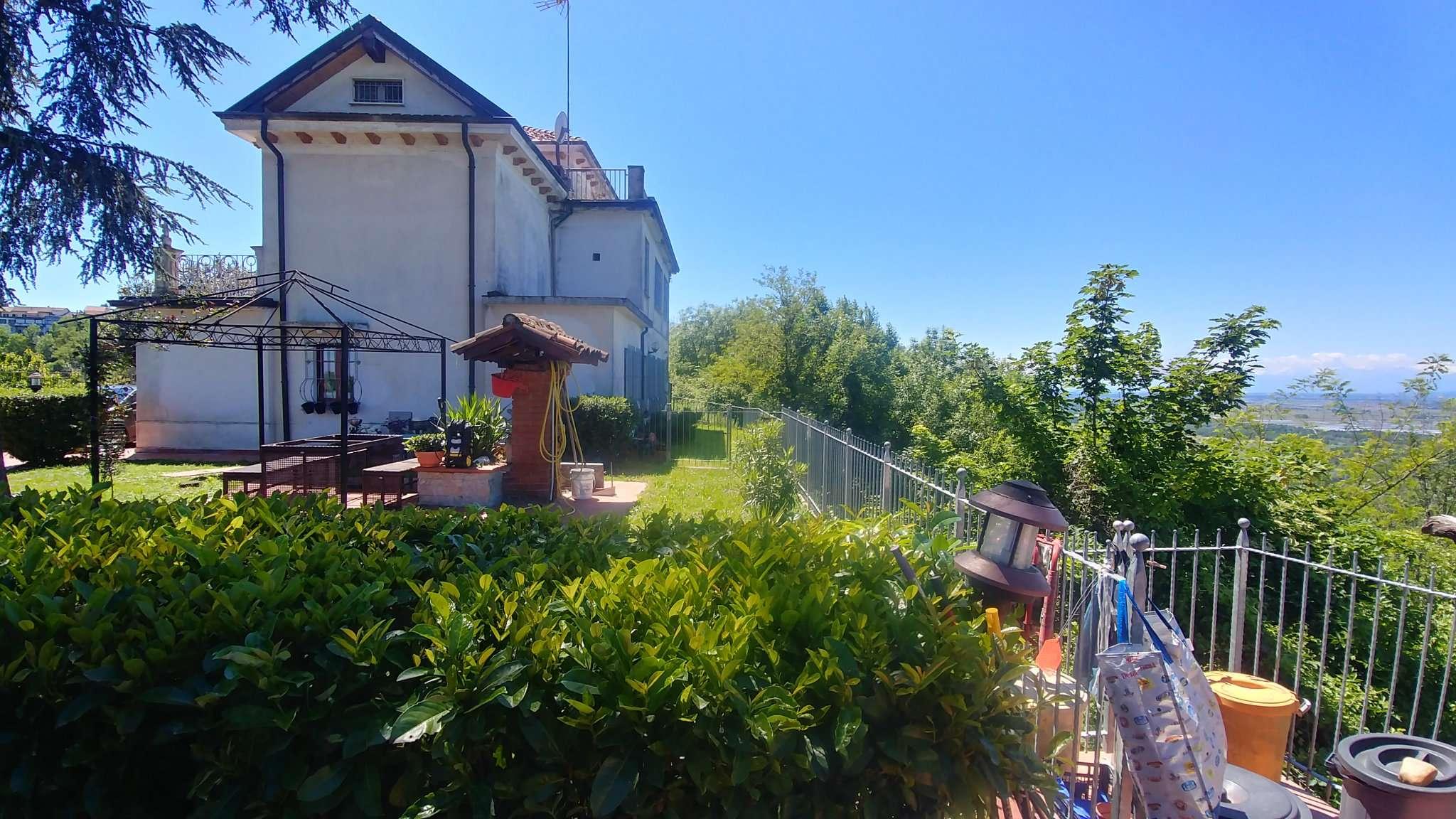 Foto 1 di Villa via San Carpoforo 65, frazione Cantavenna, Gabiano