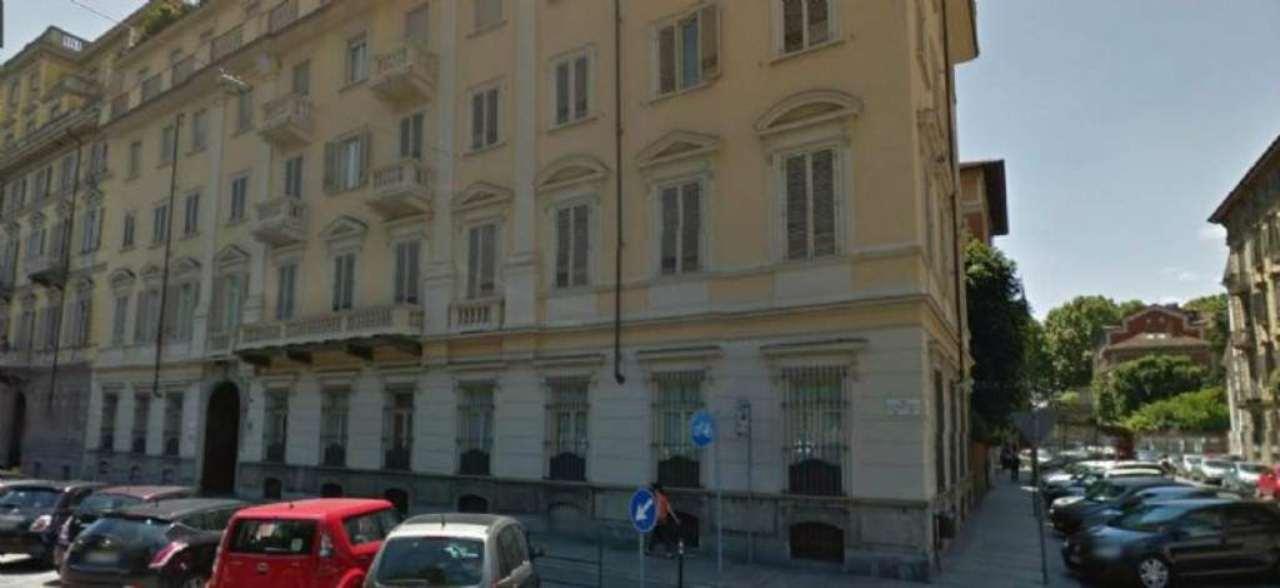 Appartamento in vendita a Torino, 9 locali, zona Zona: 1 . Centro, Quadrilatero Romano, Repubblica, Giardini Reali, prezzo € 950.000   Cambio Casa.it