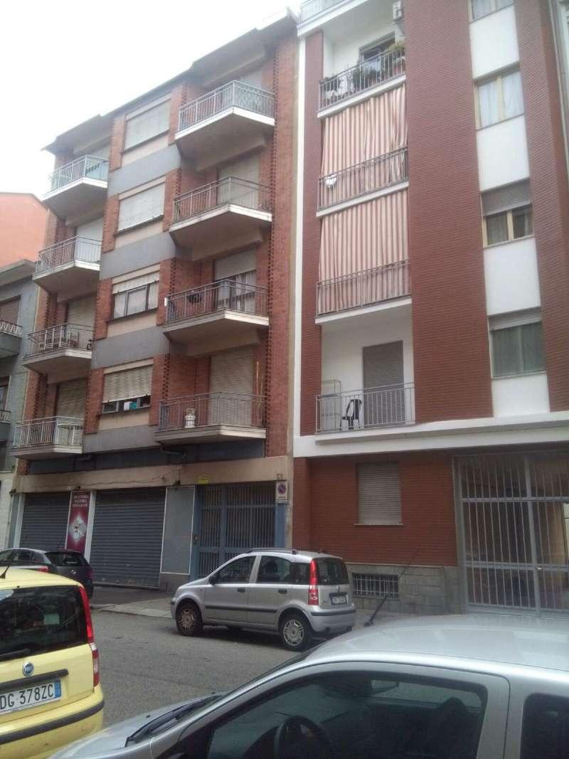 Negozio / Locale in affitto a Torino, 2 locali, zona Zona: 6 . Lingotto, prezzo € 1.000 | CambioCasa.it