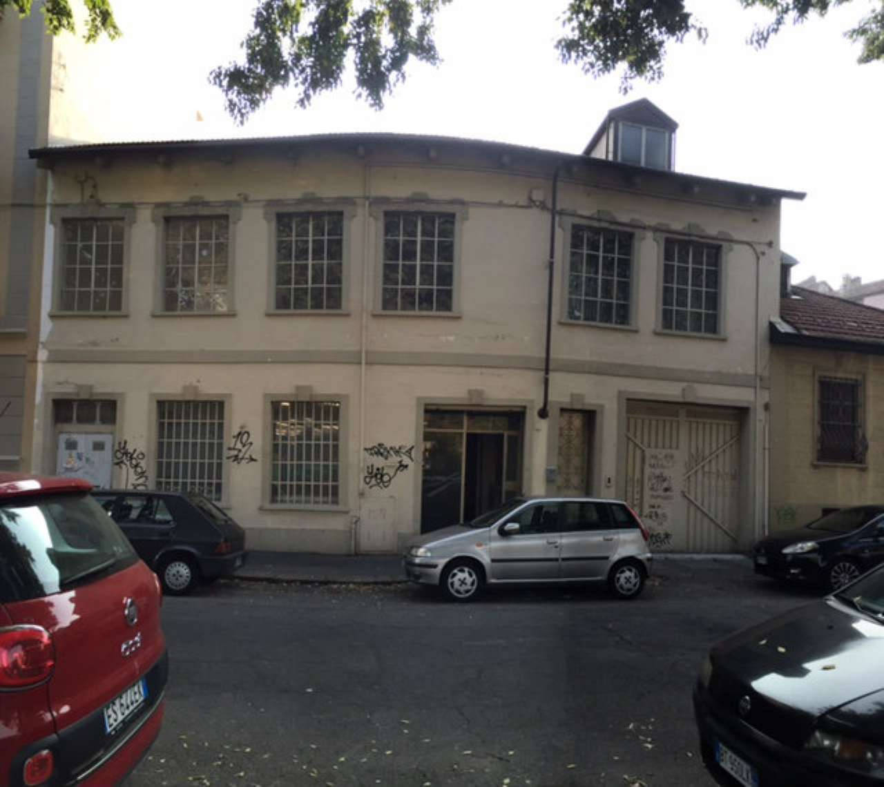 Palazzo / Stabile in Affitto a Torino